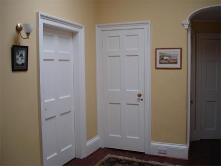 Front-hallway-3.jpg
